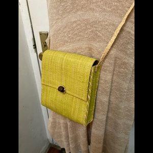 Vintage straw crossbody bag